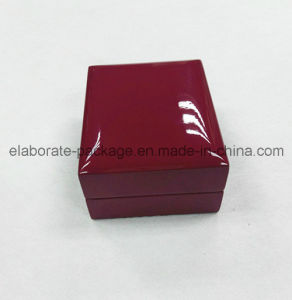Gloss Finish Beautiful Cherry Red Pendant Handmade Jewelry Box pictures & photos