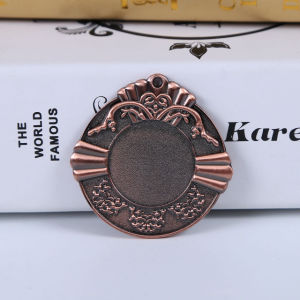 Wholesale 2017 Custom Zinc Alloy Bronze Insert Blank Holiday Medals pictures & photos