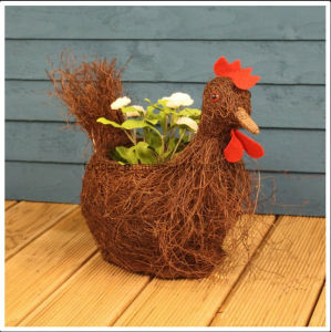 Rattan Rooster Shaped Garden Planter pictures & photos