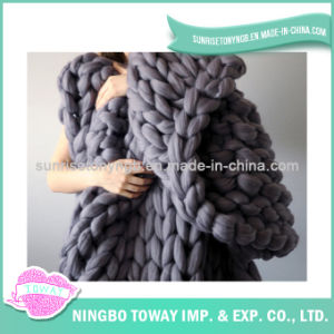 High Quality Polyester China Price Acrylic Crochet Blanket pictures & photos