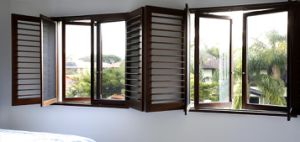 Aluminum Louver Window Combined with Casement Window, Double Glazing Tempered Glass Louver Window with a Good Ventilation pictures & photos