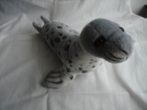 Lovely Plush Stuffed Seal Toy pictures & photos