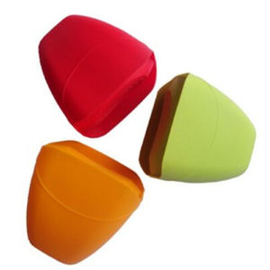 Fashionable Cute Silicone Rubber Oven Mitts pictures & photos