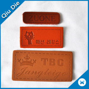 Customized Printed/Embossed Leather Badge for Clothing pictures & photos
