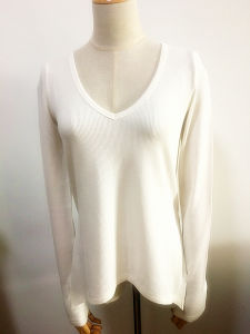 Women Fashion Clothes V-Neck Long Sleeve White T-Shirt pictures & photos