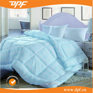 Blue Duvet Quilt Filling in Goose Down Comforter (DPF1078) pictures & photos