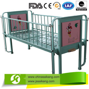 Ce Factory Simple Lovely Children Bed pictures & photos