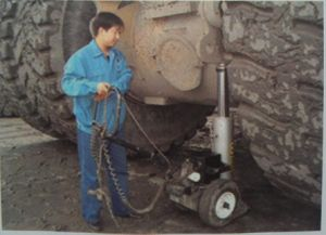 Electric Telescopic Cylinder Hydraulic Jack pictures & photos