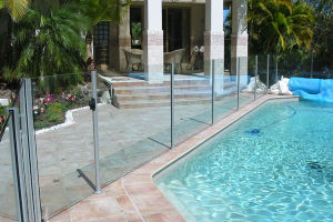 Tempered Swimming Pool Fence Glass with Semiframe Style pictures & photos