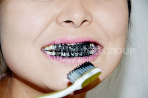 Organic Coconut Shell Activated Charcoal Teeth Whitening Powder pictures & photos