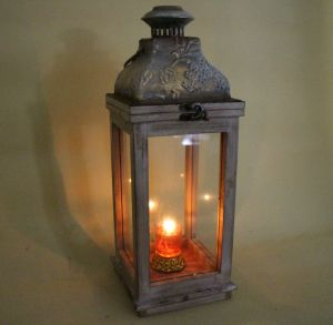 Medieval Style Wood and Iron Inlaid Glass Door Classical Lantern pictures & photos