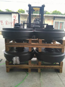 Excavator Front Idler Track Idler Assy (PC60 PC120 PC200 PC300) pictures & photos
