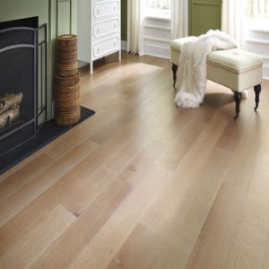 Household Wide Plank Engineered Oak Wood Flooring pictures & photos
