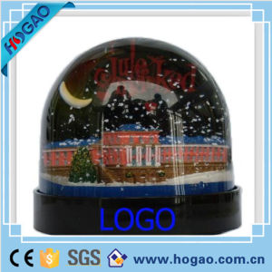 Plastic Snow Ball Water Globe with Moon Inside pictures & photos