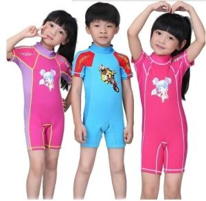 Kid′s Neoprene Wetsuit for Swimming and Surfing (HX-S0249) pictures & photos