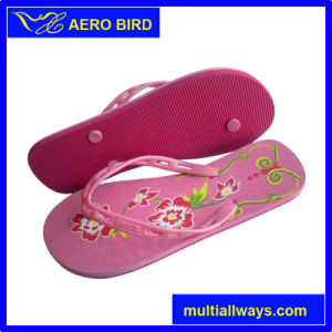 New Type Straps Girl PE Flip Flop with Flowers Print pictures & photos