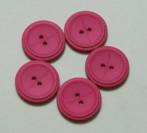 High Quality Resin Shirts Button pictures & photos