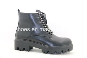 Export Best Seller for Lady Warm Boots/Shoes pictures & photos