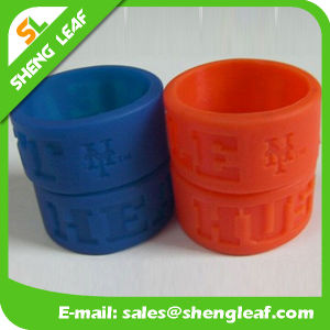 Personalized Fashion Advertising Colorful Silicone Finger Rings (SLF-SR010) pictures & photos