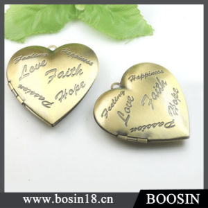 200 PCS Vintage Engraved Letter Heart Shape Gold Locket Pendant pictures & photos