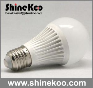 Aluminium Plastic E27 7W SMD LED House Bulb pictures & photos