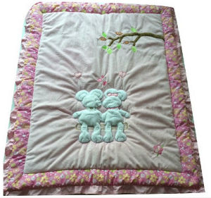 Mickey Patchwork Quilt for Baby Girl with Pink Hem pictures & photos
