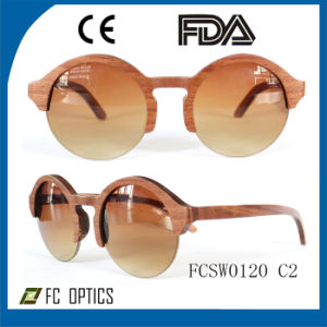 Custom Hand Made Wood Sunglasses /Bamboo Glasses with Polarized Lens pictures & photos