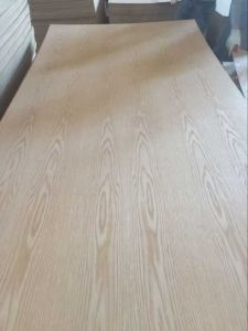 Natural American Red Oak Fancy Veneer MDF (730kgs/m3 density) in Decoration pictures & photos