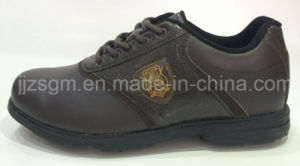Slip Resistant Golf Shoes with Studs pictures & photos