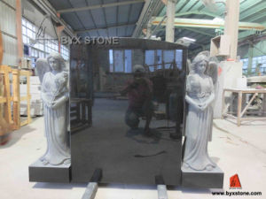 Black Granite Angel Monument Headstone with Carving Angel pictures & photos