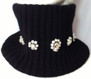100%Cashmere Rib Beading Snood pictures & photos
