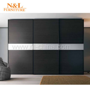 2017 Walk in Closet Furniture Wooden Glass Sliding Bedroom Wardrobe pictures & photos