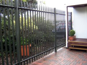 Powder Coated Metal Iron Palisades Garden Fence (Anjia-004) pictures & photos