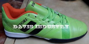 Most Popular Type of Turf Shoes with Antiskid and Breathable (DS525) pictures & photos