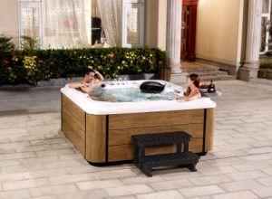 2016 Best Seller Shenzhen Supply Wood Design Skirt SPA Bath pictures & photos