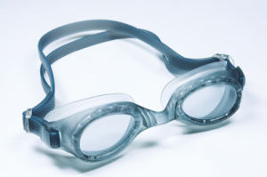 Cheap Youth Anti-Fog Swimming Goggles pictures & photos