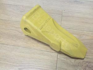 Komatsu Bucket Teeth Adapter Excavator Spare Parts 20y-70-14520-40 pictures & photos