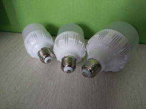 T80 E27 20W 2835 LED Bulb with Cast Aluminum pictures & photos