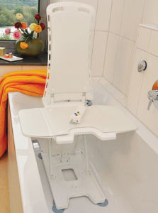 Battery Bath Lift with Sliding Board pictures & photos