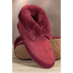 Women′s Classic Home Sheepskin Slippers pictures & photos