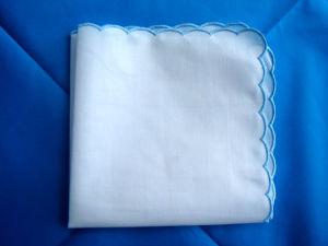 100% Cotton White Lace Handkerchief Scalloped Edge Handkerchief pictures & photos