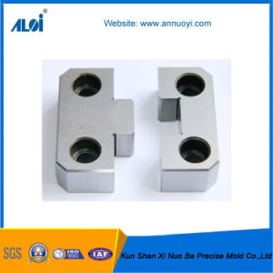 China Manufacturer OEM Metal Machinery Parts pictures & photos