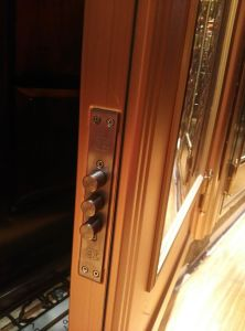 Color Stainless Steel Door (S-3039) pictures & photos