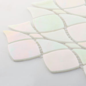 China Wholesale Iridescent Artists Style Stained Glass Mosaic Wall Tile pictures & photos