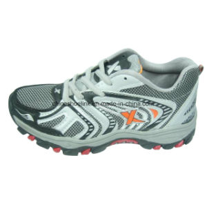 New Men Hiking Shoes Climbing Shoes pictures & photos