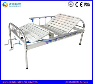 Hospital Ward Use Manual 2 Shake Medical Bed pictures & photos