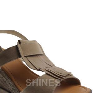 Tan Ladies Fashion High Heel Sandal pictures & photos
