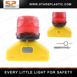 Road Barricade Traffic Safety Products Solar Warning Light with Ite pictures & photos