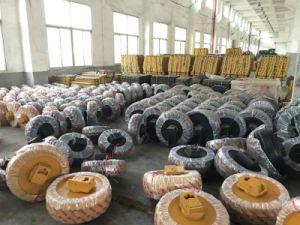 Excavator Front Idler Track Idler (Kobelco Sk200 Sk300 Sk330 Sk350) pictures & photos