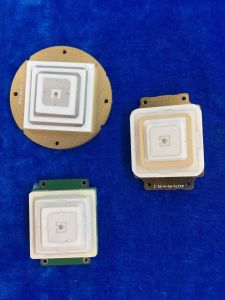 Dielectric Ceramic GPS Patch Antenna pictures & photos